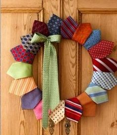 Cute tie wreath for Fathers Day! Wrap old ties around a foam wreath form; hot glue in place. Now I know what to do with all the hubby's old ties! Christmas Wreaths To Make, How To Make Wreaths, Christmas Diy, Christmas Decorations, Christmas Centerpieces, Holiday Wreaths, Christmas Ornament, Wedding Decorations, Wreath Crafts