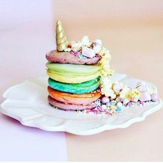 Unicorn Food is Real and as Magical as it Sounds: Unicorn Pancakes Cake Trends, Food Trends, Tapas, Rainbow Pancakes, Unicorn Foods, Rainbow Food, Pastel Cupcakes, Savoury Cake, Cute Food