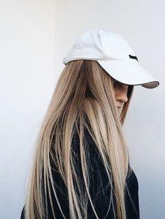 straight blonde hair is always in style My Hairstyle, Down Hairstyles, Pretty Hairstyles, Balayage Blond, Blonde Hair, Blond Beige, Hair Colorful, Big Chop, Short Hair