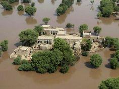 2014年09月14日 - 巴基斯坦木尔坦,空中俯瞰洪水灾区。巴基斯坦旁遮普省3日起爆发洪水灾害,不少民宅成为了汪洋中的孤岛。摄影师:Mansoor Abass 阅读全文: http://page.iweek.ly/content-20-0-191-200038301.html --分享来自@iWeekly周末画报 Android 版