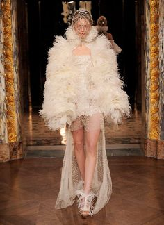 Volume #Feathers #Collar & #Sleeves #Fashion #Trend forFall Winter 2013   McQueen F/W 2013 #PFW