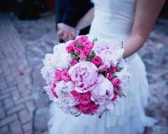 Tendencias: Ramo de novia en tonos rosas (peonias y rosas) Wedding Bouquets, Wedding Flowers, Wedding Stuff, Invitation, Best Day Ever, Big Day, Boho Wedding, Pretty In Pink, Flower Power