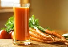 Benefits of Carrot Juice گاجر کا جوس - Food Fact The countless benefits of carrot juice can never be overlooked. It is only wise that one start his day with carrot juice; solo or blended with favorite fruit juice. Carrot Juice Benefits, Juicing Benefits, Health Benefits, Healthy Smoothies, Healthy Drinks, Smoothie Recipes, Juice Recipes, Banana Smoothies, Eating Healthy