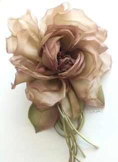 Silk flower design. Handmade, pur silk..