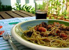espaguetis-pez-espada-berenjena-tomatitos