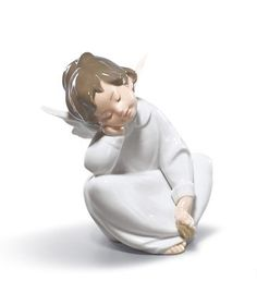 Lladro 04961 Angel dreaming http://lladro.stores.yahoo.net/04andream.html