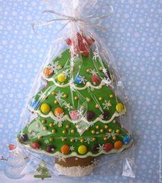 sugar cookie designs for christmas Christmas Tree Cookies, Christmas Sweets, Christmas Gingerbread, Christmas Cooking, Christmas Goodies, Holiday Cookies, Christmas Candy, Fancy Cookies, Cupcake Cookies