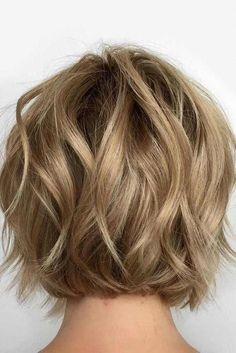 Wavy Bob Haircut ❤️See the ways on how to get easy wavy hair styles . - Wavy Bob Haircut ❤️See the ways on how to get easy wavy hair styles 2018 prepared for you! Here you can find a trendy pixie with layers, bob with bang - Short Hairstyles For Thick Hair, Short Thin Hair, Layered Bob Hairstyles, Short Hair Cuts, Curly Hair Styles, Hairstyles Haircuts, Haircut Short, Short Wavy Bob, Short Bob With Layers