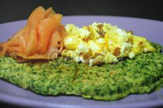 Terapia do Tacho: Waffle de espinafres com salmão fumdado e ovo mexido (Spinach waffle with smoked salmon and scrambled egg)