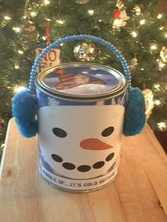 Gifts that Say Wow is about crafting,cooking,free printables,and learning to enjoy a healthy lifestyle. Tin Can Crafts, Crafts To Sell, Fun Crafts, Formula Can Crafts, Baby Formula Cans, Recycled Tin Cans, Recycled Crafts, Christmas Crafts For Kids, Xmas Crafts