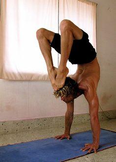 yoga men <333