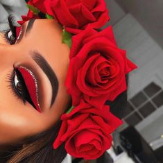 Rote Rosen Make-up-Idee - my most beautiful makeup list Red Makeup Looks, Red Eye Makeup, Colorful Eye Makeup, Mac Makeup, Cute Makeup, Gorgeous Makeup, Pretty Makeup, Amazing Makeup, Prom Makeup