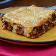 Sloppy Joe Squares - A perfect choice for a school night meal. Delicious from scratch Sloppy Joe filling with a flaky crust. I've tried these & the whole family likes them! Definitely a keeper! Beef Casserole Recipes, Beef Recipes, Cooking Recipes, Hamburger Recipes, Beef Meals, Family Recipes, Casserole Dishes, Food Dishes, Main Dishes