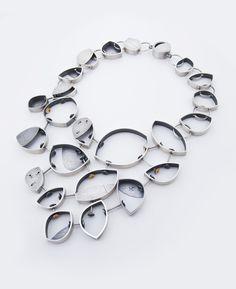 Gisèle by Valérie Kabis of École de Joaillerie de Montréal. Category: Jewelry- Sculpture to Wear, #jewelry