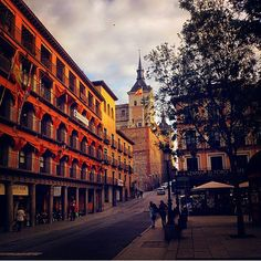"""""""Buenas noches #igers!  Asi de bonito se ve #Toledo desde el objetivo de @mickylon  Una imagen preciosa!  Gracias por compartir con #IgersToledo  #IgersSpain #SomosInstagramers"""" Photo taken by @igerstoledo on Instagram, pinned via the InstaPin iOS App! http://www.instapinapp.com (04/18/2015)"""