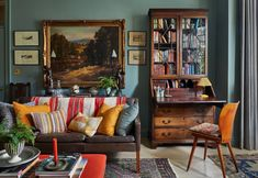 How our favourite designers use Farrow & Ball Farrow Ball, Interior Styling, Interior Decorating, Interior Design, Gallery Wall Layout, Interior Paint Colors, Paint Colours, Maine House, Decoration