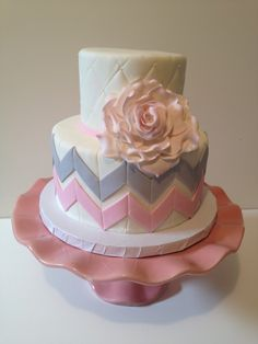 Grey and Pink Chevron Baby Shower Cake - Kyrsten's Sweet Designs Baby Shower Chevron, Grey Baby Shower, Baby Shower Gender Reveal, Girl Shower, Baby Shower Cake Designs, Baby Shower Cakes, Baby Shower Parties, Baby Showers, Pretty Cakes
