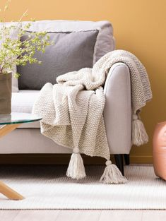 Diy Crochet, Throw Pillows, Crafty, Blanket, Wool, Knitting, Bed, Decor, Scarves