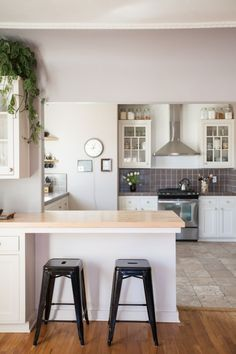 Muted Colors in Monterey, California – Design*Sponge Kitchen Redo, New Kitchen, Kitchen Remodel, Kitchen Dining, Cozy Kitchen, Kitchen Floor, Dining Room, Sweet Home, Cuisines Design