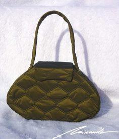 A #padding #bag Messenger Bag, Satchel, Bags, Fashion, Handbags, Moda, Fashion Styles, Taschen, Purse