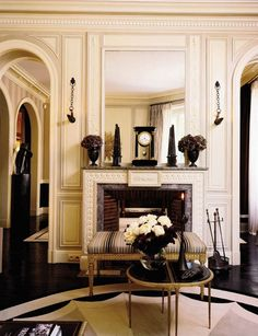 Traditional Parisian livig room in neutral shades