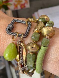 Boho Jewelry, Beaded Jewelry, Jewelry Design, Beaded Bracelets, Jewelry Ideas, Strand Bracelet, Artisan Jewelry, Fashion Bracelets, Boho Fashion