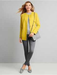 Our essential double-face wool jacket. The perfect combination of soft and structured, this timeless top layer is one to have in all your favorite colors. Casual Work Outfits, Office Outfits, Work Casual, Fall Outfits, Blue Shirt Combination, Classic Style Women, Modern Classic, Outfit Combinations, Outfits