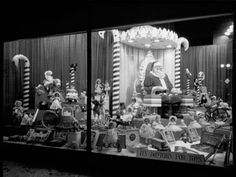 Dayton's Department Store display window Christmas lights across Nicollet Ave. (no mall then) were turned on Thanksgiving Eve and all the display windows were lit up. It was exciting as a child to see all the bright lights! Old Time Christmas, Ghost Of Christmas Past, Christmas Store, Retro Christmas, Christmas Art, Christmas Lights, Christmas Windows, Christmas Scenes, Vintage Christmas Photos