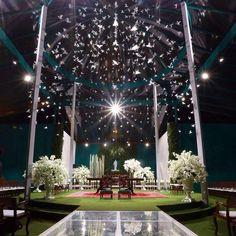 Altar de um casamento com 1.000 pombas em origami.  #origami  #casamento #weddingdecor