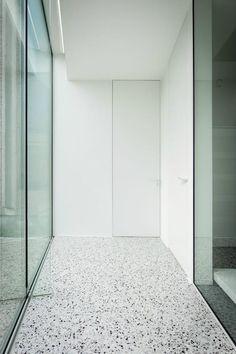composite floor xxx l grigio venato Terrazo Flooring, Granite Flooring, Concrete Floors, Kitchen Flooring, Concrete Furniture, Grey Flooring, Composite Flooring, Polished Concrete, Floor Finishes