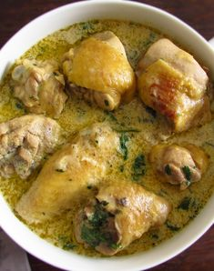 We suggest this delicious chicken fricassee fricassee, it's a simple recipe, very tasty and with excellent. Duck Recipes, Crockpot Recipes, Chicken Recipes, Cooking Recipes, Healthy Recipes, Alkaline Recipes, Chicken Fricasse Recipe, Chicken Fricassee, Portuguese Recipes