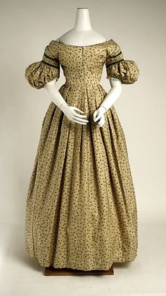 Dress 1835, British, Made of wool