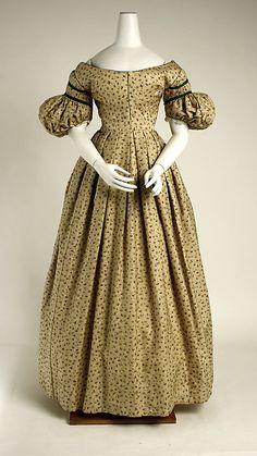 Dress 1835, British, Made of wool