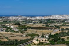 A complete guide to what to see in Mdina and Rabat, Malta including things to do, where to eat and places to stay. Malta, Paris Skyline, Grand Canyon, Things To Do, City, Places, Nature, Travel, Things To Make