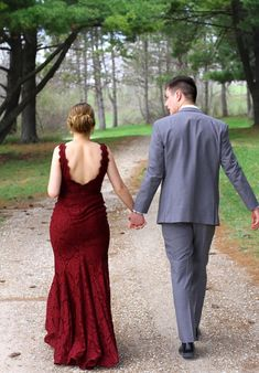 Prom photography outdoor couple prom - audrey and hunter Prom Pictures Couples, Prom Couples, Couple Pictures, Cute Couples, Homecoming Poses, Homecoming Pictures, Prom Poses, Graduation Pictures, Senior Prom