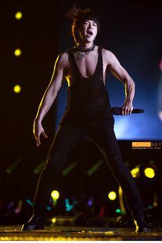 Choi Minho Shinee..that chest