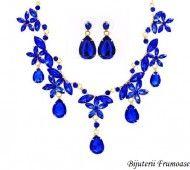 Bijuterii cu cristale albastre http://www.bijuteriifrumoase.ro/cumpara/bijuterii-cu-cristale-albastre-640