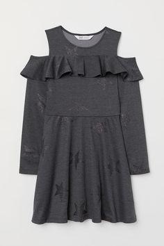 ed7308aaa3c458 Sieh's dir an! Schulterfreies Kleid aus festem Jersey mit Volant oben,  langem