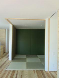 WEB内覧会5回目の今日は和室の紹介をさせていただきます。和室はダイニングのすぐ隣にあります。大きさは4.5畳。壁・天井はプラネットジャパン・フェザーフィ...