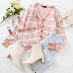 Kpop Fashion Outfits, Girls Fashion Clothes, Girly Outfits, Cute Casual Outfits, Cute Fashion, Look Fashion, Pretty Outfits, Stylish Outfits, Traje Casual