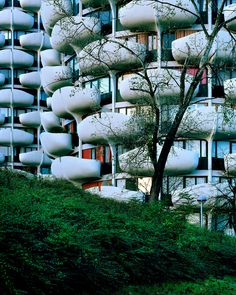 Mostly signs (some portents) Home Structure, Amazing Spaces, Architecture, Photos, Exterior, Plants, Sauf, Buildings, Space Age