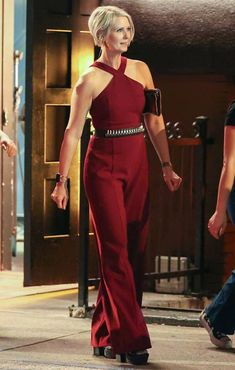 Terry De Havilland, Nicole Ari Parker, Hippie Braids, Givenchy Top, Gossip Girl Reboot, Chanel Boots, City Outfits, And Just Like That, Carrie Bradshaw