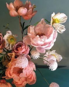Flowers bouquet floral arrangements peonies New ideas Amazing Flowers, Wild Flowers, Beautiful Flowers, Jungle Flowers, Happy Flowers, Bloom, Flower Art, Flower Of Life, Planting Flowers