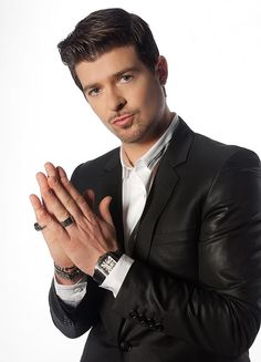 See Robin Thicke pictures, photo shoots, and listen online to the latest music. Music Is Life, My Music, Hot Guys Eye Candy, Man Candy, Robin Thicke, Film Music Books, Latest Music, Baby Daddy, Dimples