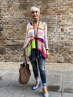 Ravelry: Jersey Erizo pattern by Lola & Punto Plaid Scarf, Ravelry, Knit Crochet, Kimono Top, Knitting, Womens Fashion, Projects, Fabrics, Tejidos