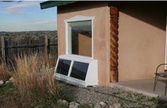 Cómo hacerse una calefacción solar casera. Con un poco de máña puedes lograr una calefacción ecólogica y de paso ahorrar en tu factura de la luz. Renewable Energy, Solar Energy, Solar Heater, Diy Greenhouse, Earthship, Cabins And Cottages, Permaculture, Wood Pallets, Homesteading