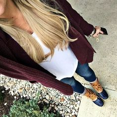 try this for fall cardigan, t shirt, jeans & duck boots Fall Winter Outfits, Autumn Winter Fashion, Winter Style, Fall Fashion, Winter Boots, Hipster Fashion, Fashion 2018, Casual Outfits, Cute Outfits