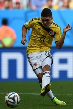 Colombia's midfielder Juan Fernando Quintero scores the second goal against Ivory Coast. World Cup 2014, Fifa World Cup, Word Cup, Ivory Coast, Football Players, Baseball Cards, Sports, Naver, World Cup