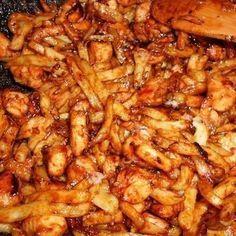 Egy finom Mézes-mustáros csirkefalatok burgonyával ebédre vagy vacsorára? Mézes-mustáros csirkefalatok burgonyával Receptek a Mindmegette.hu Recept gyűjteményében! Meat Recipes, Indian Food Recipes, Chicken Recipes, Dinner Recipes, Cooking Recipes, Healthy Recipes, Fun Easy Recipes, Easy Meals, Gastronomia