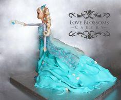 Frozen Fashion Cake